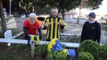 Fenerbahçeli Futbolculara Destek İçin İzmir'den İstanbul'a Koşuyor