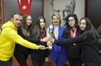 GKV'li Altın Kulaçlar Başarıya Kulaç Attı
