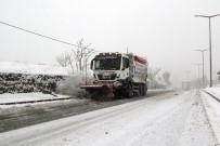 CAN GÜVENLİĞİ - Hacılar'da Karla Mücadele Tüm Hızıyla Devam Ediyor