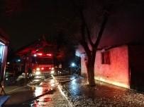 Isınmak İçin Yakılan Soba Yangın Çıkardı