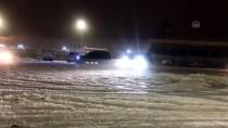 TRAFİK POLİSİ - Karlı Zeminde 'Drift' Denediler