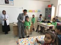 İSTİKLAL - Kaymakam Mehmetbeyoğlu, Başarılı Öğrenciyi Bisikletle Ödüllendirdi