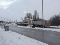 Malatya-Kayseri Karayolunda 24 Saattir Ulaşım Sağlanamıyor