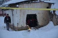 GÜVENLİK ÖNLEMİ - Metruk Evde 2 Adet El Bombası Bulundu