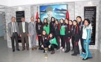SERKAN KEÇELI - Oktay Olcay Yurtbay Lisesi Kız Voleybol Takımı İl Birincisi Oldu