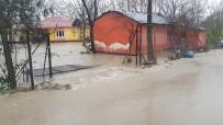 SAĞANAK YAĞIŞ - Osmaniye'de Selin Vurduğu 9 Köy Sular Altında Kaldı