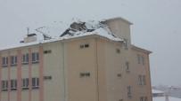 İMAM HATİP ORTAOKULU - Şiddetli Rüzgar Okulun Çatısını Da Yerinden Söktü