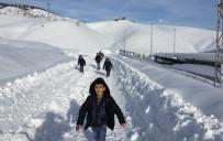 Sincik'te Eğitime Kar Engeli