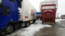 TIR ŞOFÖRÜ - Sivas'ta Ulaşıma Kar Engeli