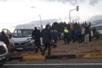 SERVİS ARACI - Tır Kırmızı Işıkta Dehşet Saçtı Açıklaması 12 Yaralı