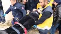 Cenaze Namazı Kılanların Üstüne Tente Düştü Açıklaması 3 Yaralı