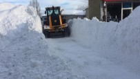 Elazığ'da Kar Ve Tipi 249 Köy Yolunu Ulaşıma Kapattı