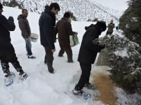 Erzincan'da Yaban Hayvanları İçin Doğaya Yem Bırakıldı