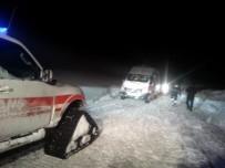 MAHSUR KALDI - Hasta Almaya Giden Ambulans Mahsur Kaldı