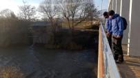 JANDARMA - JAK Timi Büyük Menderes Nehri'ne Düşen Şahsı Arıyor