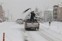 Karaman'da Kar Temizleme Çalışmaları Devam Ediyor