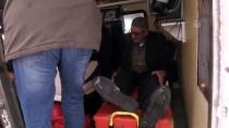 AMBULANS ŞOFÖRÜ - Kardan Kapanan Yolu Açıp Kalp Hastasının İmdadına Yetiştiler
