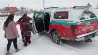 MIDE KANAMASı - Köyde Mahsur Kalan Hastaların İmdadına UMKE Ekipleri Yetişti