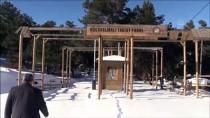 Küçükelmalı Tabiat Parkı'ndaki Göletin Yüzeyi Buz Tuttu