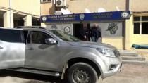 İSTIHBARAT - Şanlıurfa'da 2 Terörist Teslim Oldu