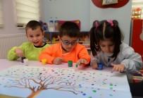 BARIŞ MANÇO - Saray Nezaket Okulu Ve Kreşte Minikler Çok Mutlu