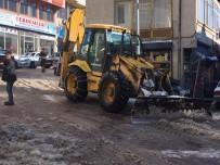 Akdağmadeni Belediyesi Kar Temizleme Çalışması Başlattı