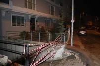 FAHRİ KORUTÜRK - Ankara'da İstinat Duvarı Çöktü Açıklaması İki Bina Boşaltıldı