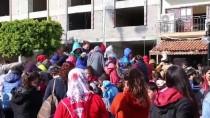 Antalya'da Öğrencilere 'Karlı' Karne Hediyesi