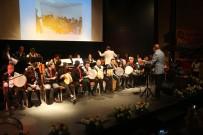 Down Sendromlu Çocuklardan Sahne Performansı