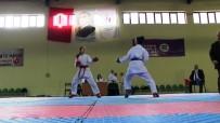 SPOR MERKEZİ - Minik Karateciler Derece Almak İçin Mücadele Etti.