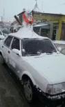 KARDAN ADAM - Otomobilinin Üzerine Kardan Adam Yapıp Trafiğe Çıktı
