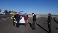 Şanlıurfa'da Otomobil Bariyerlere Çarptı Açıklaması 4 Yaralı