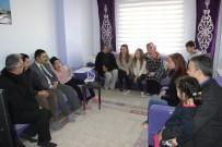 Serebral Palsi Hastası Öğrenci Karnesini Evinde Aldı