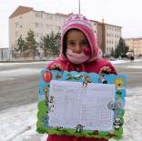 Sivas'ta Öğrenciler Karnelerini Aldı