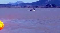 CEYHAN NEHRİ - Su Dolan Tarlada 36 Saat Mahsur Kalan Kamyon Şoförü Botla Kurtarıldı