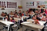 Tunceli'de Karne Alan Öğrencilere 'Sıfır Atık, Sıfır Kayıp' Kitapçığı