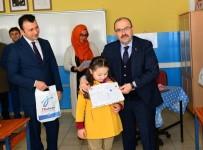 Vali Ustaoğlu, Öğrencilerin Karne Heyecanına Ortak Oldu