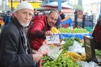 GÜNEŞLI - Antalya'da Semt Pazarları Da El Yakıyor