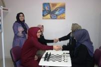 DİYARBAKIR - Diyarbakır'da İlk Defa Kadın Satranç Grubu Kuruldu