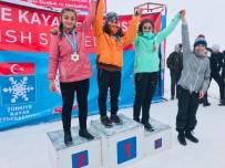 Hakkarili Sporcular Bitlis'ten 14 Madalya İle Döndü