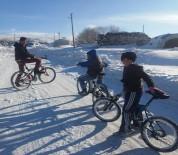 Kışa Rağmen Bisikletten Vazgeçmiyorlar