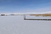 Sibirya Soğukları Gölleri Buza Çevirdi