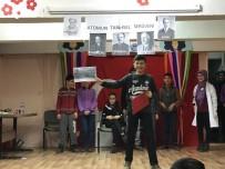 FEN BILIMLERI - Şuhut'ta Öğrencilere ''Bilimi Yaşıyorum'' Tiyatro Etkinliği Düzenlendi