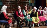 Tiyatro Sevdalısı Köylü Kadınlara Büyük Alkış