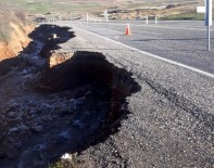 Yol Aşırı Yağışa Dayanamadı