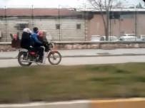Bir Motosiklette Tam 6 Kişi