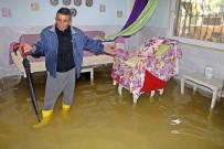 TSUNAMI - Evlerine Aniden Su Basınca Tsunami Sandılar