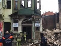 İstanbul Yedikule'de 3 katlı bina çöktü