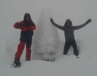 Nemrut Dağı'ndaki Devasa Heykeller Buz Tuttu