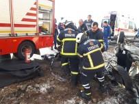 Nevşehir'de İki Otomobil Kafa Kafaya Çarpıştı Açıklaması 2 Ölü, 2 Yaralı